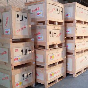 Caixas de madeiras